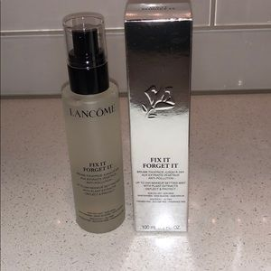 Lancome Fix it and forget it setting spray